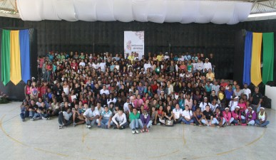 Foto Oficial de la Conferencia Bahá'í de Juventud – Cali/2013.